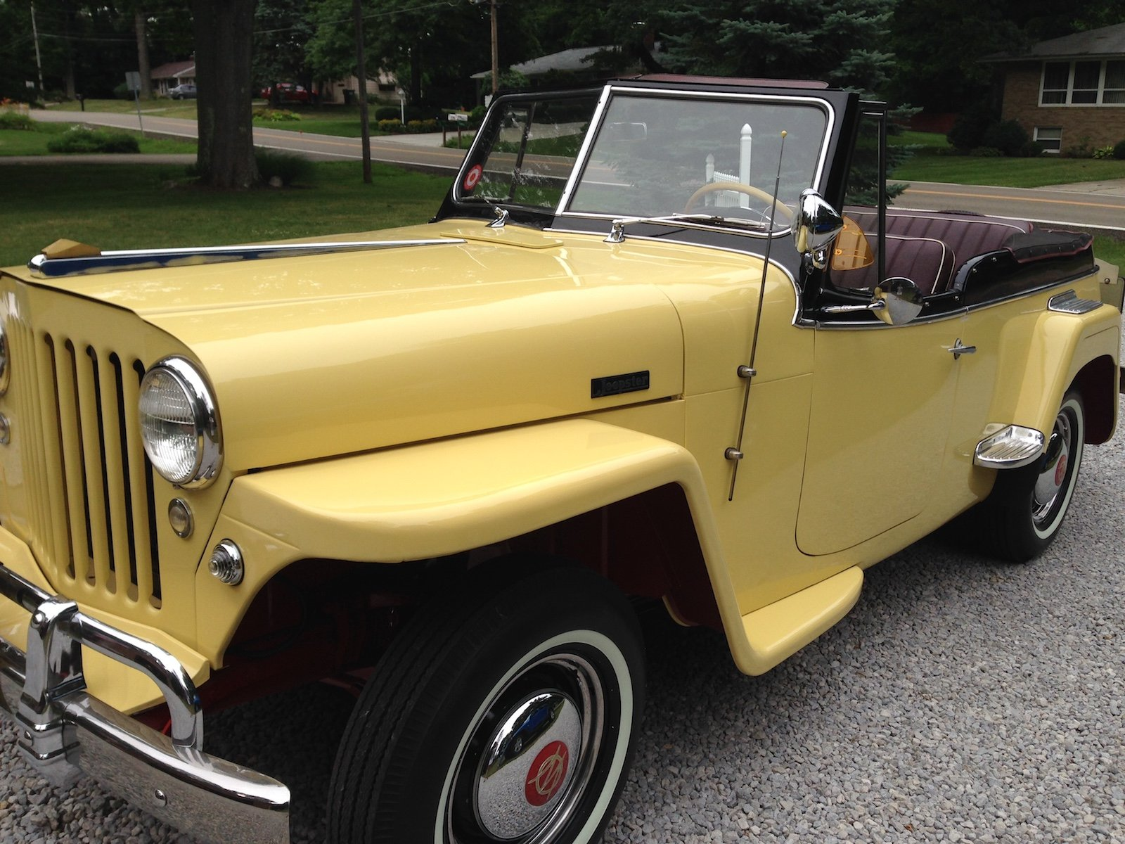 large.Jeepster-frontsideviews.JPG.ec2228